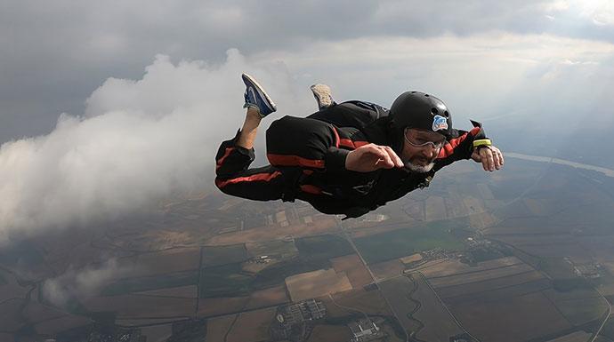 padobranac u slobodnom padu
